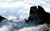 Giochi di nebbia sul Castello – Provenzale. Foto E. Collo